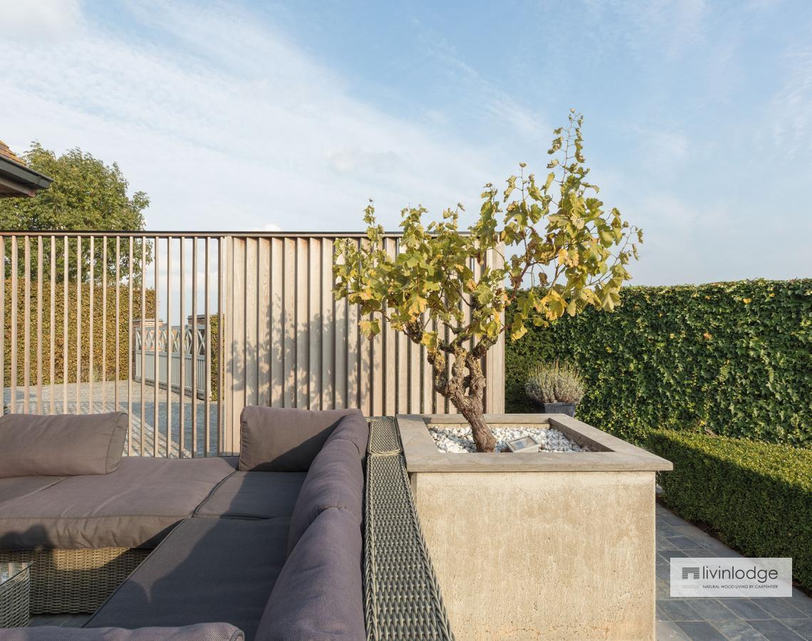 Houten shutters terras | Livinlodge
