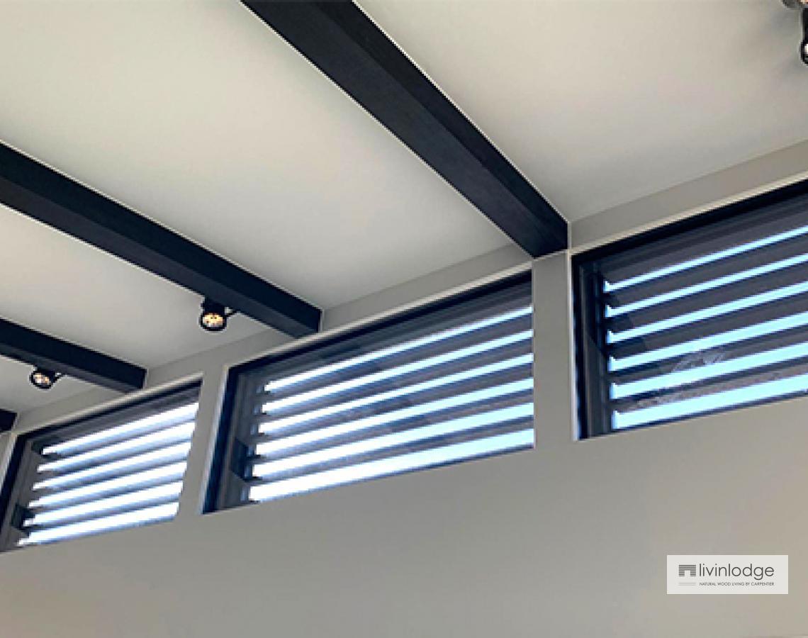 Houten shutters voor raam | Livinlodge